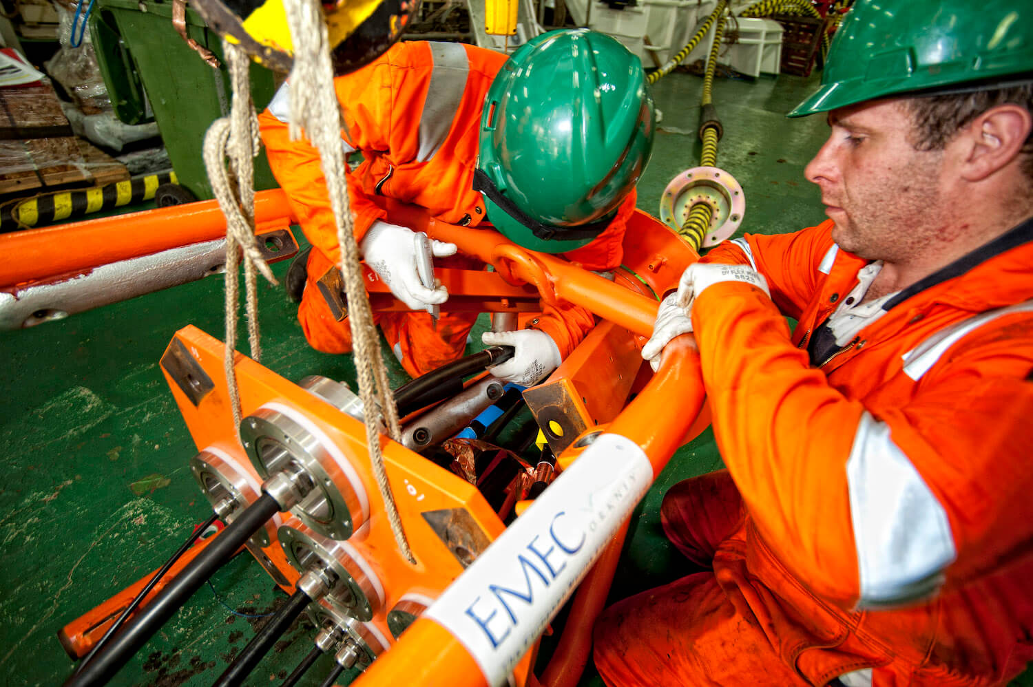 Fitting EMEC purpose built cable ends (Credit Mike Brookes-Roper, courtesy of EMEC