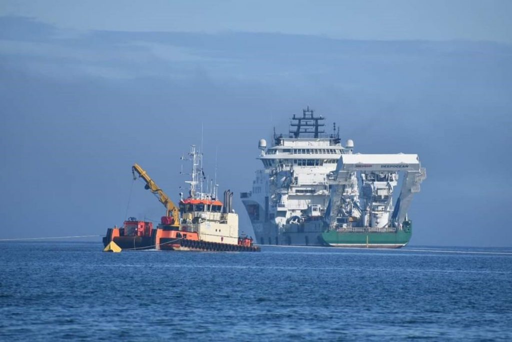 C-Fenna working with NKT cable vessel Victoria